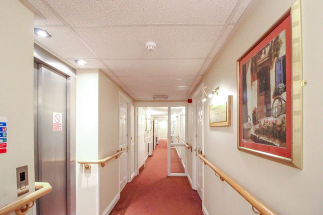 Communal Hallway of Glen View, Gravesend DA12