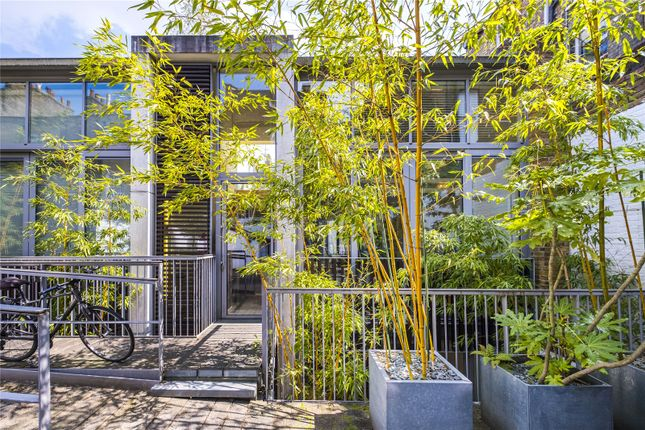 Thumbnail Mews house for sale in Haven Mews, London