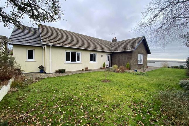 3 bed detached bungalow for sale in Meadow Park, Treffgarne, Haverfordwest SA62