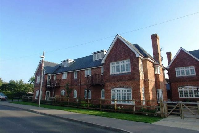 Thumbnail Flat to rent in Gate Lodge, Newbury