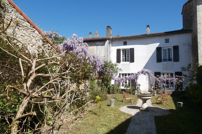 5 bed property for sale in Ruffec, Poitou-Charentes, 16700, France