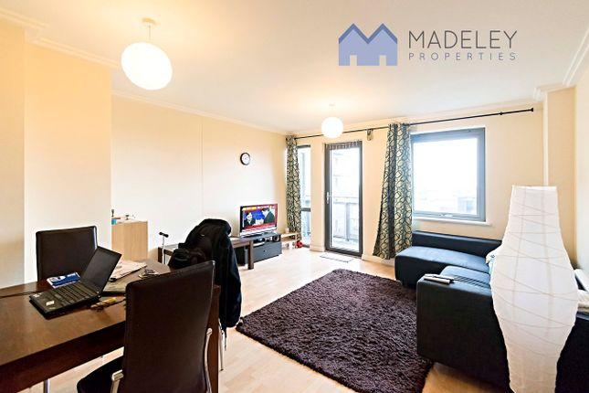 2 bed flat for sale in Victoria Road, Acton, London W3