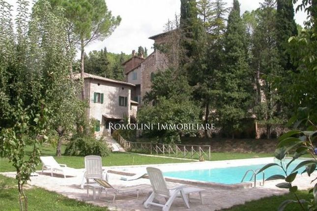 2 bed apartment for sale in Corciano, Umbria, Italy