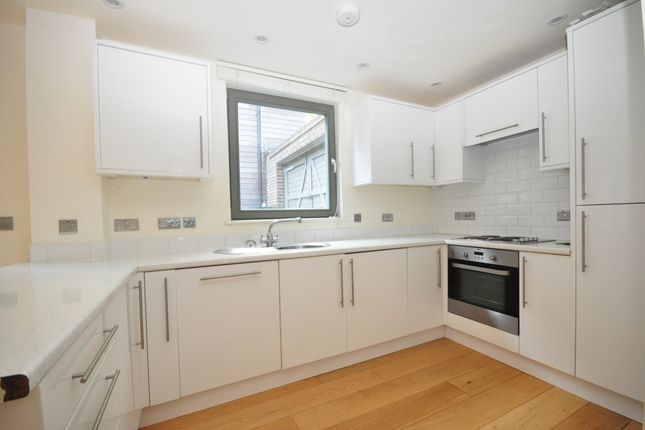 Thumbnail Detached house to rent in Comptons Brow Lane, Horsham