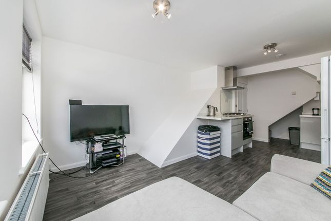 Lounge of Penfold Road, Clacton-On-Sea CO15
