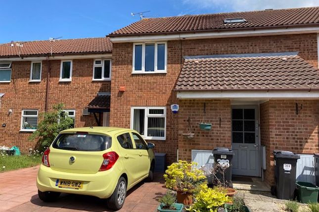1 bed flat to rent in Oaktree Crescent, Bradley Stoke, Bristol BS32