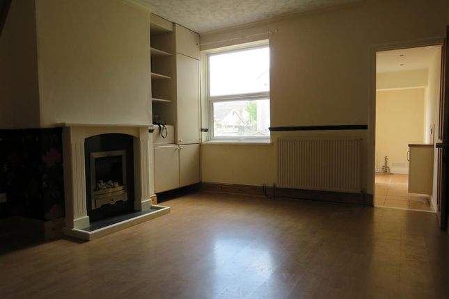 Thumbnail Terraced house to rent in Avenue Road, Rugby