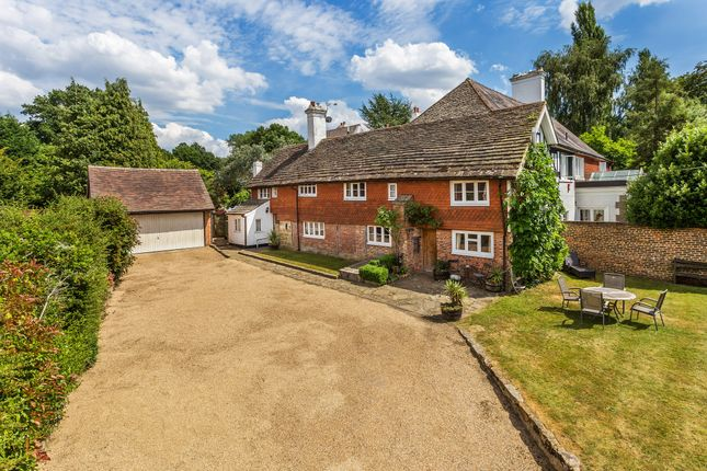 Thumbnail Cottage for sale in Wilderwick Road, East Grinstead, West Sussex