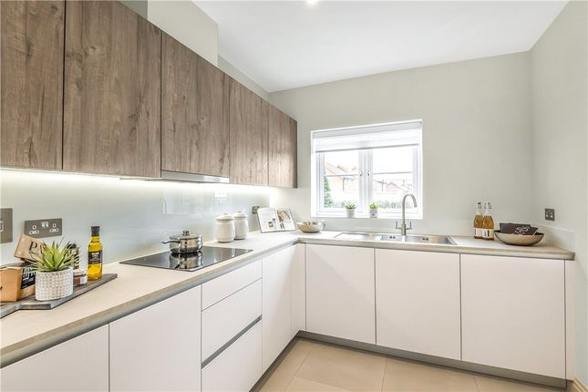 Thumbnail Terraced house for sale in Woodhurst Park, Warfield, Berkshire