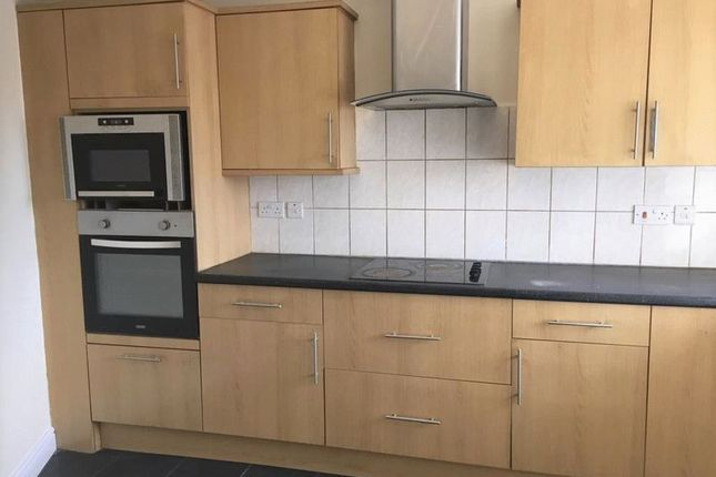 Thumbnail Flat to rent in Canons Corner, London Road, Edgware, Middlesex