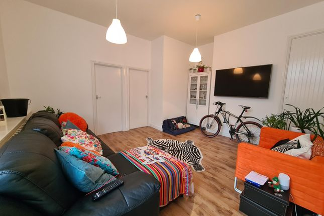 Thumbnail Flat to rent in High Street, Dovercourt, Harwich
