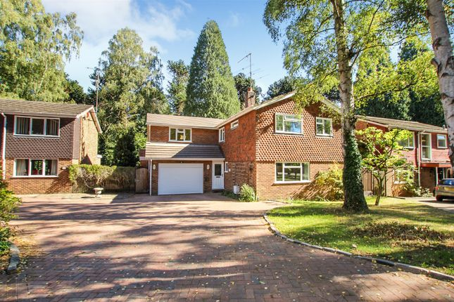 Thumbnail Detached house for sale in Redwood Glade, Leighton Buzzard