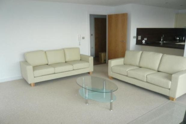 2 bed flat to rent in Vallea Court, Manchester M4