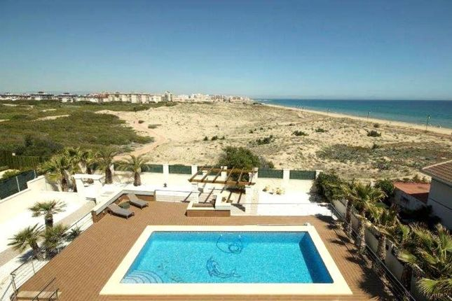Thumbnail Villa for sale in La Mata, Alicante, Spain