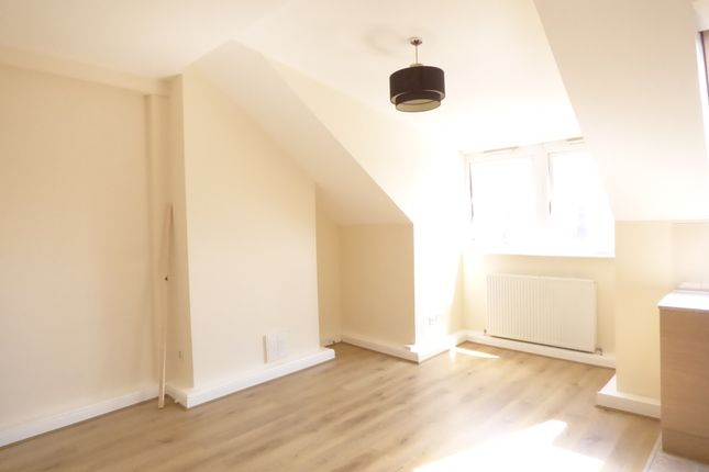 Thumbnail Flat to rent in Dewsbury Road, Beeston