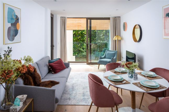 Thumbnail Flat for sale in Bedford House, 215 Balham High Road, London