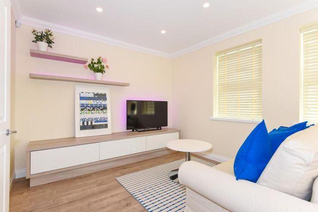 Thumbnail Flat to rent in Denmark Street, Wokingham