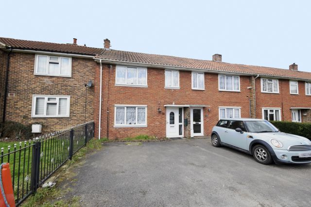 Thumbnail Terraced house for sale in Witchards, Kingswood