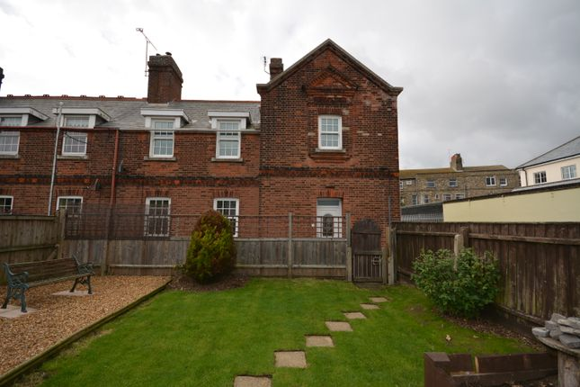 Thumbnail Cottage to rent in Coastguard Cottages, Gordon Road, Lowestoft