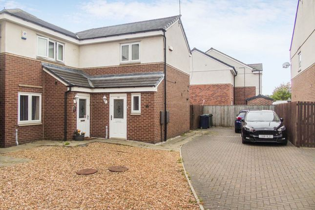 Thumbnail Semi-detached house to rent in Grebe Close, Dunston, Gateshead