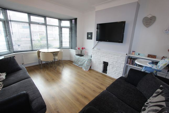 3 bed terraced house to rent in Ryefield Avenue, Hillingdon