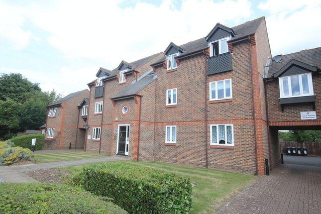 Thumbnail Flat for sale in Douglas Road, Tonbridge