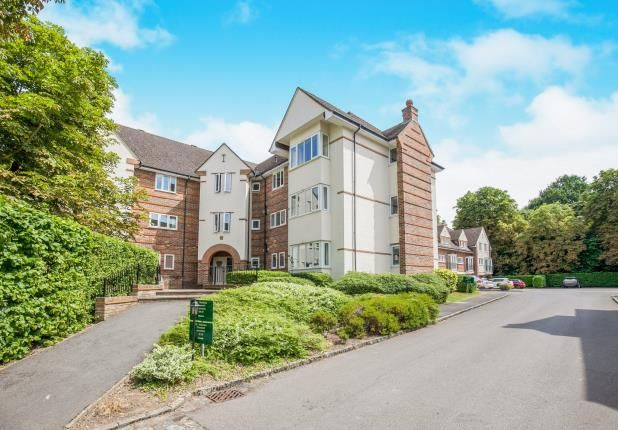 Thumbnail Flat for sale in Pyrford, Surrey