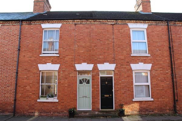 2 bed terraced house for sale in Buckingham Street, Wolverton, Milton Keynes