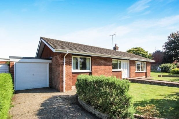 Thumbnail Bungalow to rent in Furners Mead, Henfield