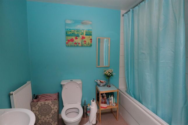 Bathroom of Angelica Road, Lincoln LN1