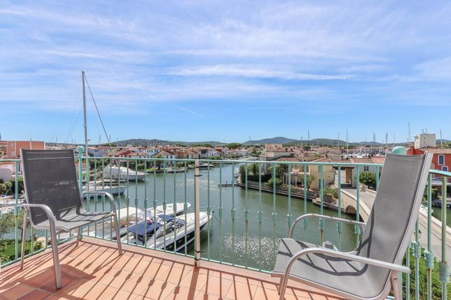 Thumbnail Apartment for sale in Renovated 2-Bedroom Apartment With Panoramic View And Garage, Port Grimaud, France