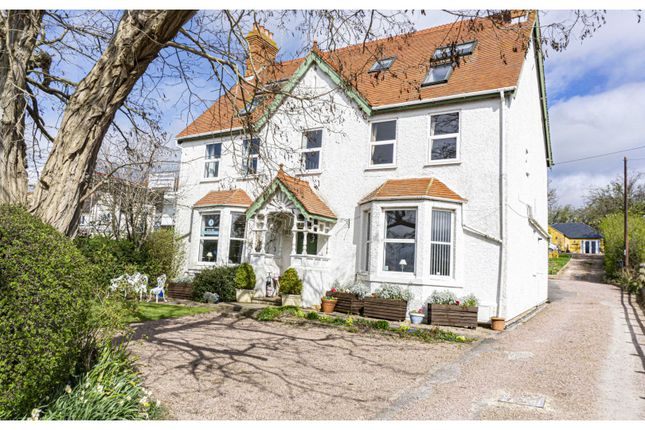 Thumbnail Detached house for sale in Station Road, Broadway