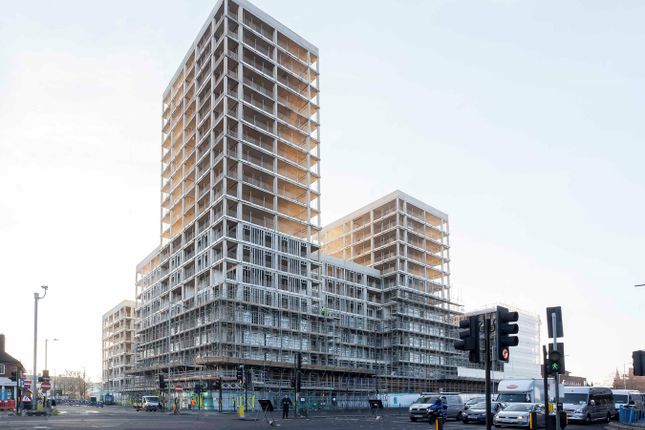 Thumbnail Flat for sale in Western Circus, Acton, London