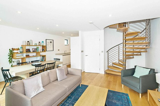 Thumbnail Flat to rent in Commercial Road, Aldgate