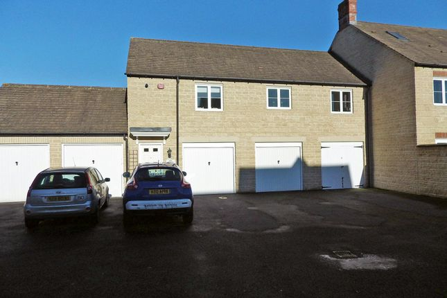 Thumbnail Property to rent in Blackthorn Mews, Carterton, Oxfordshire