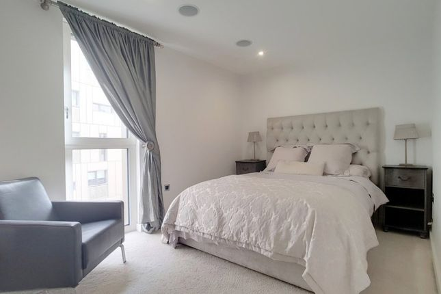 Thumbnail Flat to rent in Bramah House, Grosvenor Waterside, Gatliff Road