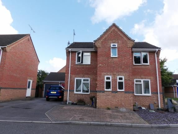 Thumbnail Detached house for sale in Langley Place, Billericay