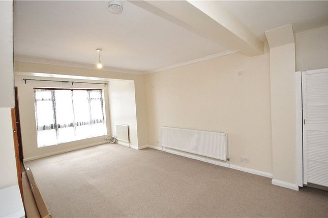 3 bed detached house to rent in Lawrence Road, London SE25