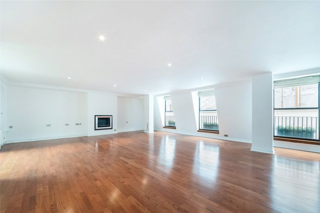 3 bed flat to rent in Piccadilly, London W1J