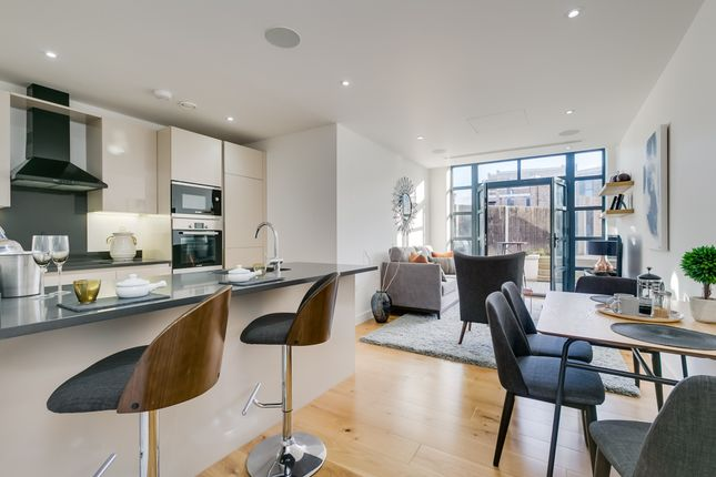 2 bed flat for sale in Linen House, Short Road, Chiswick