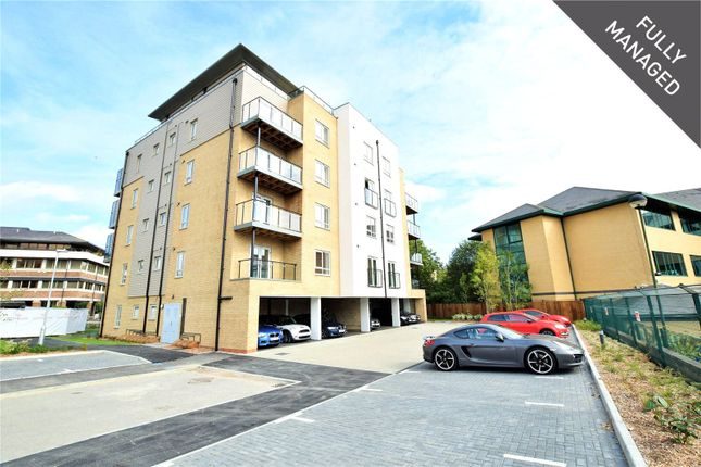 Flat to rent in Fleming Place, Bracknell, Berkshire
