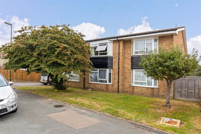 Studio for sale in First Avenue, Lancing BN15
