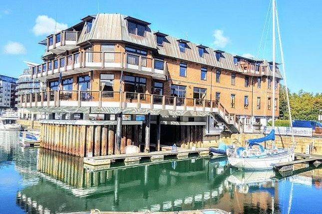 Thumbnail Flat to rent in Calshot Court, Channel Way, Ocean Village, Southampton