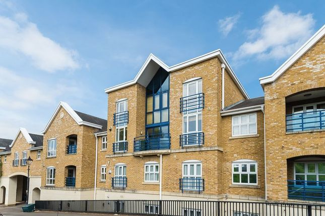 Thumbnail Duplex for sale in Complins Close, Oxford