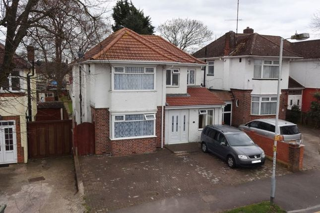 Thumbnail Detached house for sale in Halfway Avenue, Luton