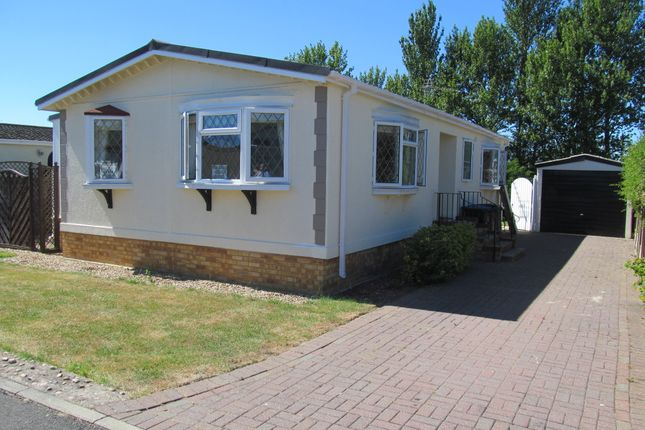 Thumbnail Mobile/park home for sale in Dodwell Park (Ref 5941), Stratford Upon Avon, Warwickshire