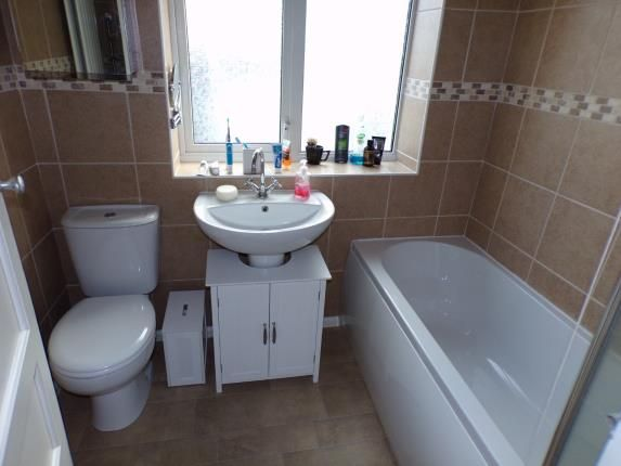 Bathroom of Woodbridge Avenue, Clifton, Nottingham, Nottinghamshire NG11