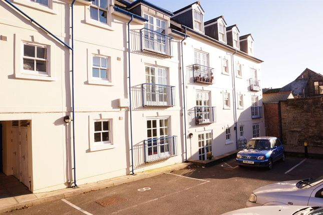 Thumbnail Flat to rent in Lower Lux Street, Liskeard
