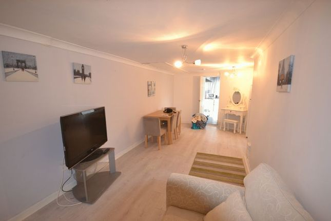 Thumbnail Flat to rent in Martin Street, Morriston, Swansea