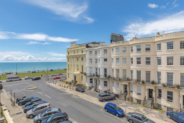 Thumbnail Town house for sale in Lansdowne Place, Hove